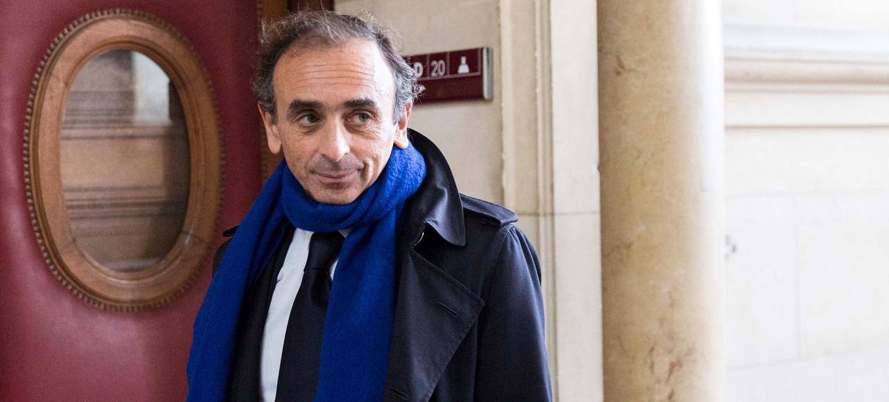 Arrivée du journaliste et polémiste, Éric Zemmour au Tribunal de Grande Instance de Paris, le 6 novembre 2015.