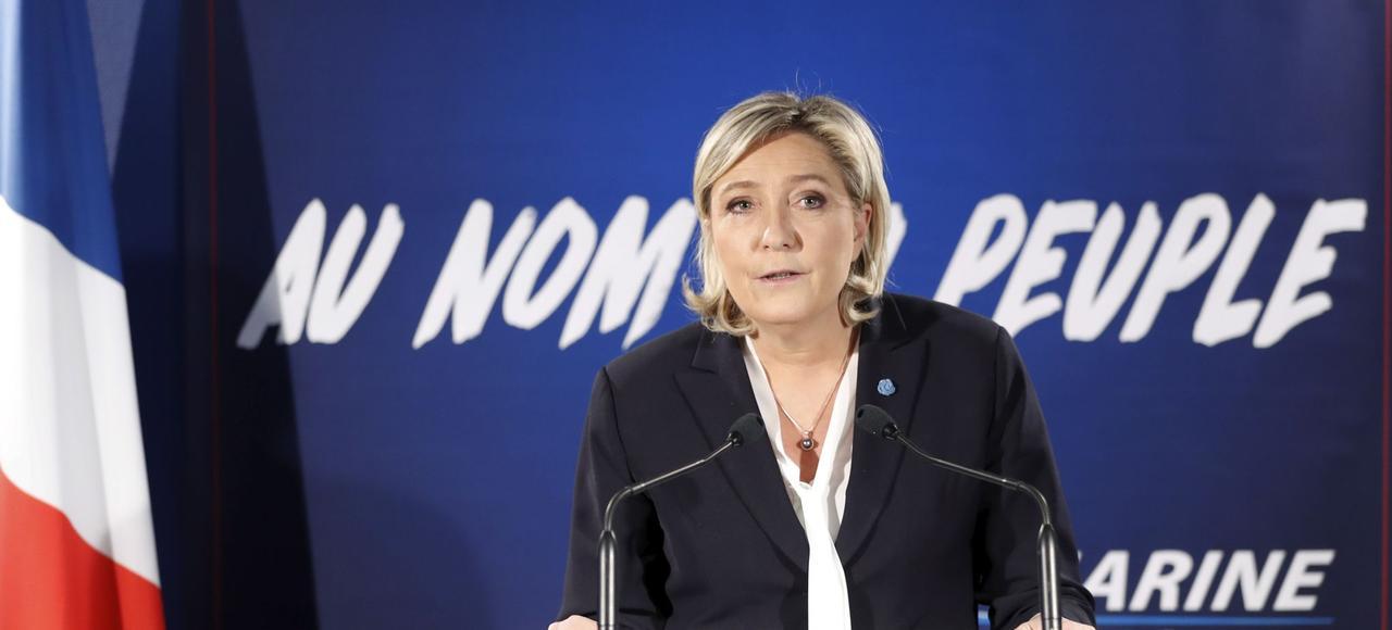 Marine Le Pen, présidente du Front National, lors de ses voeux à la presse, dans son QG de campagne, à Paris.