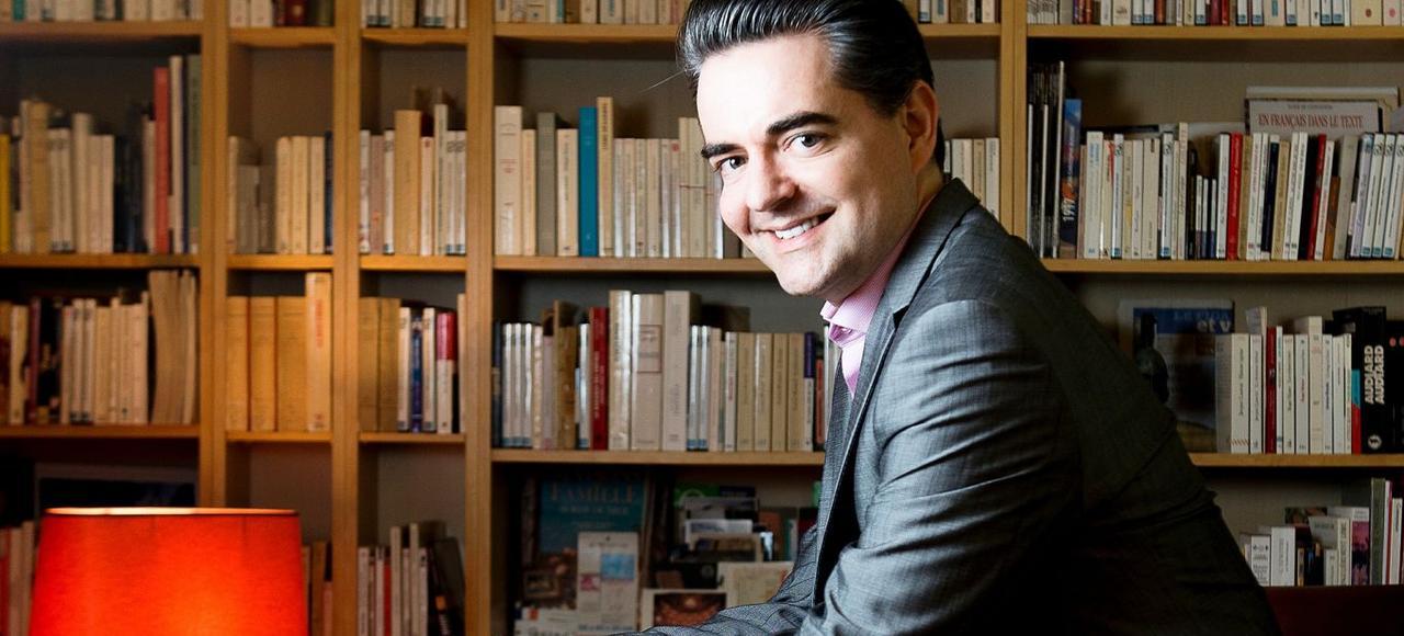Guillaume Perrault - Journaliste au <i>Figaro </i>et auteur de livres sur le monde politique. Photographié chez lui, le 3 Février 2017.