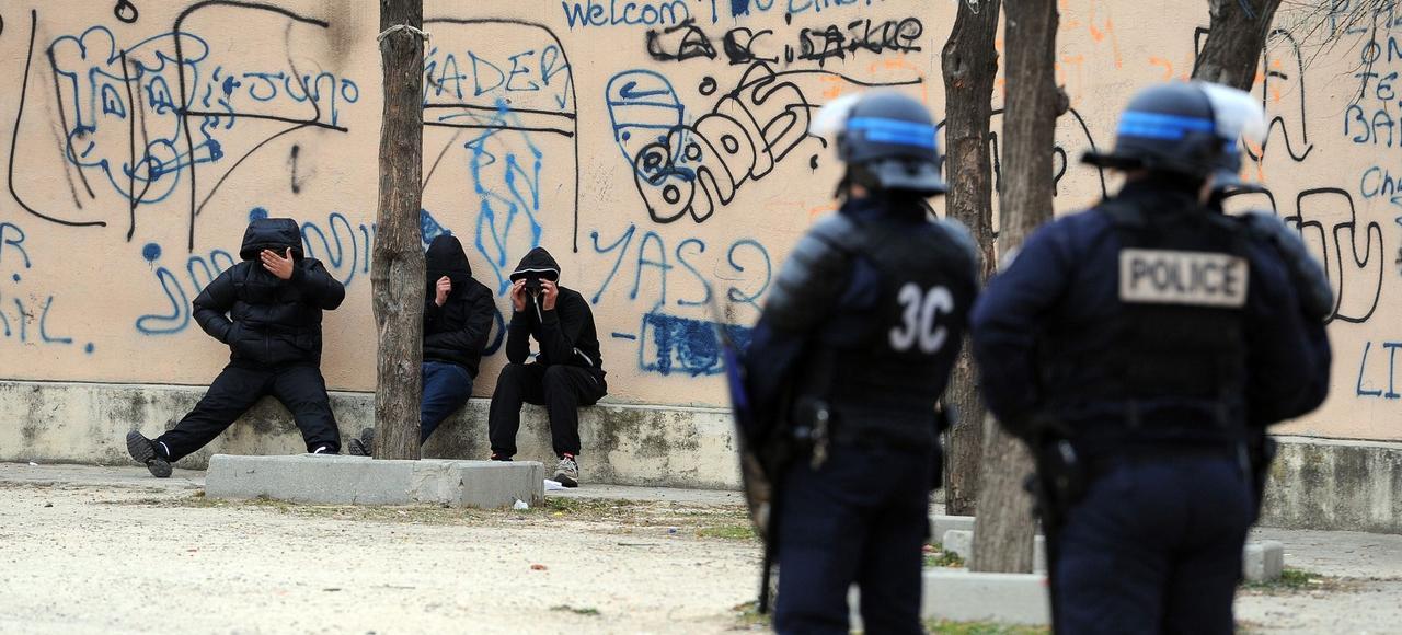 Opération de police dans un quartier du nord de Marseille, le 12 janvier, pour lutter contre la prolifération des stupéfiants et des armes dans la ville.