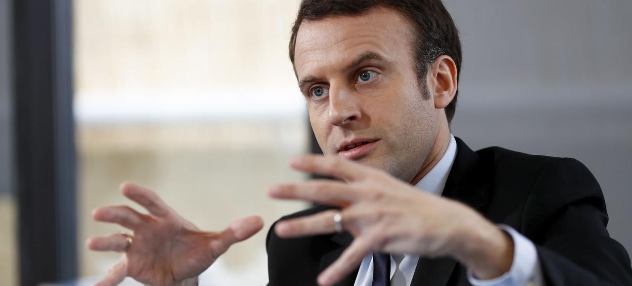 Emmanuel Macron répond aux question du <i>Figaro</i> dans son QG de campagne, jeudi à Paris.