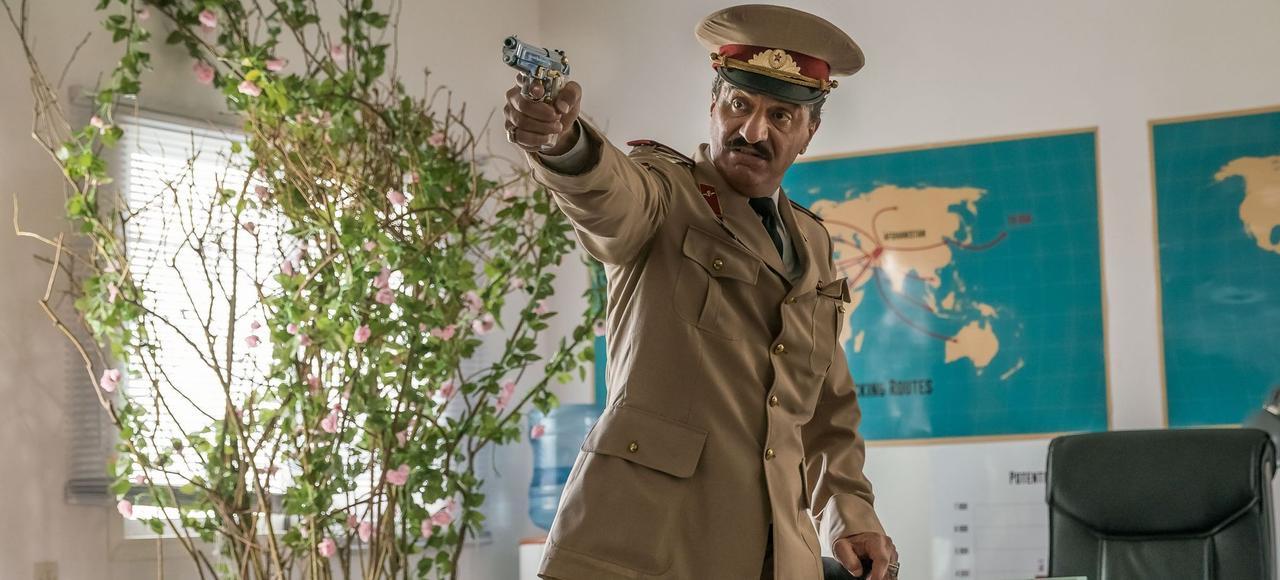 Le Colonel Amanullah, interprété par Simon Abkarian dans Kaboul Kitchen.