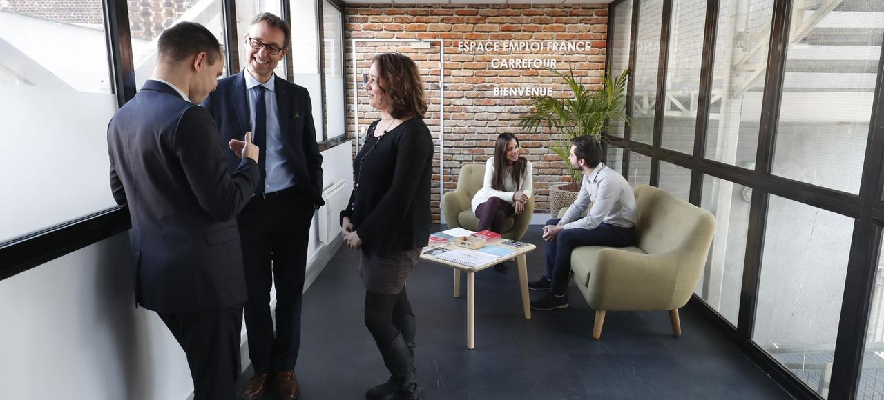 «Cette année, nous poursuivons la transformation initiée par l'espace emploi en 2015, avec comme facteurs clés de succès la transparence et l'authenticité», souligne Thierry Roger, directeur de l'espace emploi de Carrefour France entouré des membres de son équipe.