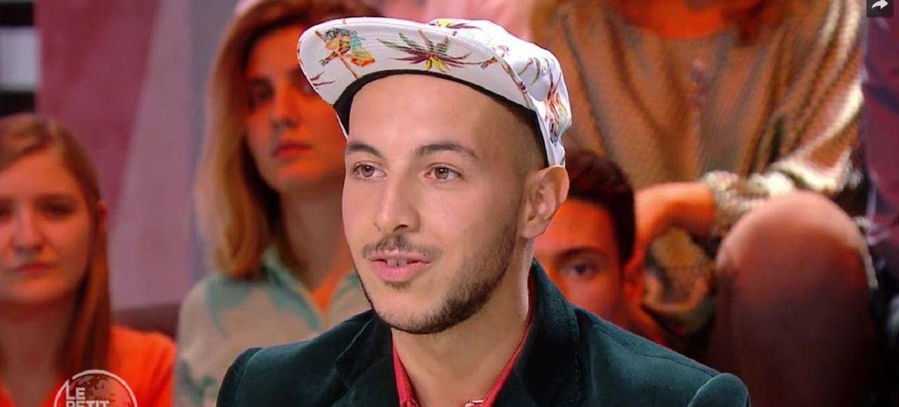 Mehdi Meklat invité du Petit Journal sur Canal Plus le 14 septembre 2015.