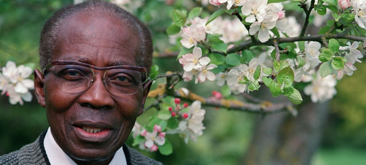 Le Sénégalais Léopold Sédar Senghor, poète, grand intellectuel, homme politique et Académicien français, est à l'honneur de la 19e édition du Printemps des poètes.