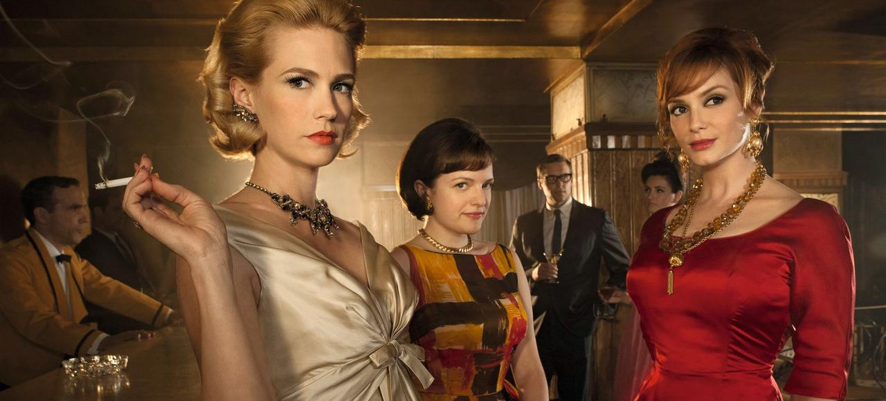 January Jones, Elisabeth Moss et Christina Hendricks dans la saison 4 de <i>Mad Men</i>.