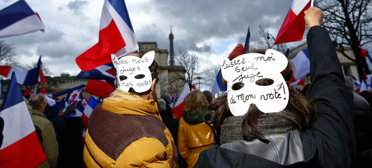 Lors de la manifestation de soutien à François Fillon, dimanche place du Trocadéro, à Paris.