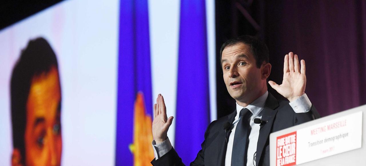 Benoît Hamon, en meeting mardi à Marseille, a donné le départ d'une bataille anti-Macron.