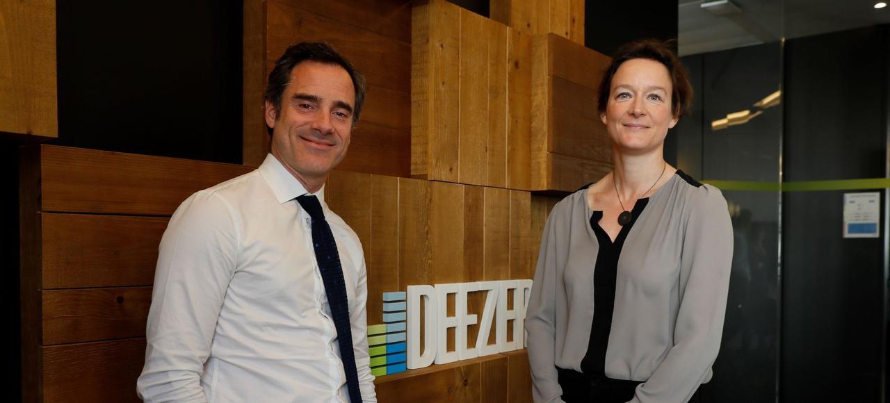 Alexis de Gemini, directeur général de Deezer France, et Coralie Piton, directrice des produits culturels de la Fnac, le 13 mars à Paris.