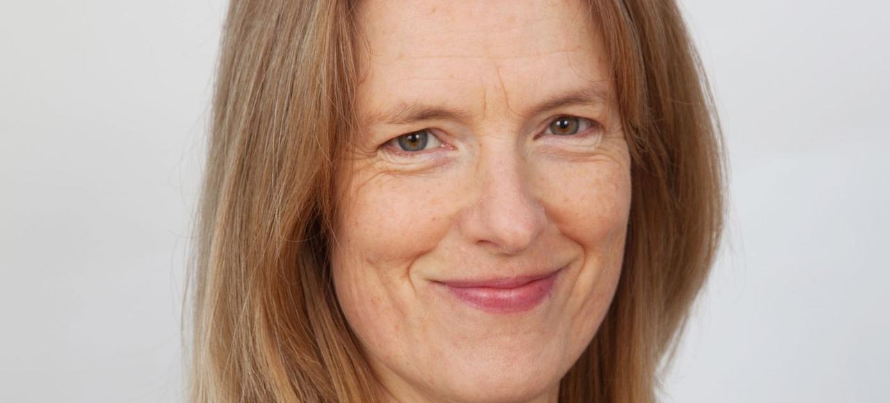 Paula McGrath enseigne l'écriture à l'université de Dublin.