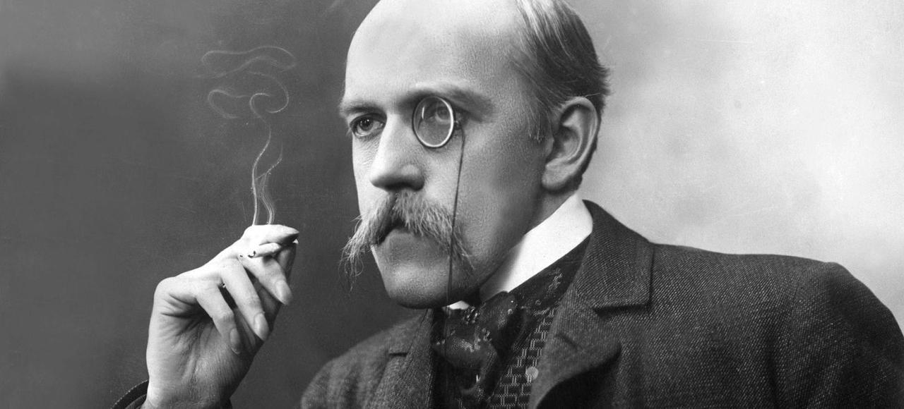 Poète, romancier, chroniqueur littéraire au <i>Figaro</i>, Henri de Regnier fut élu à l'Académie Française en 1911.