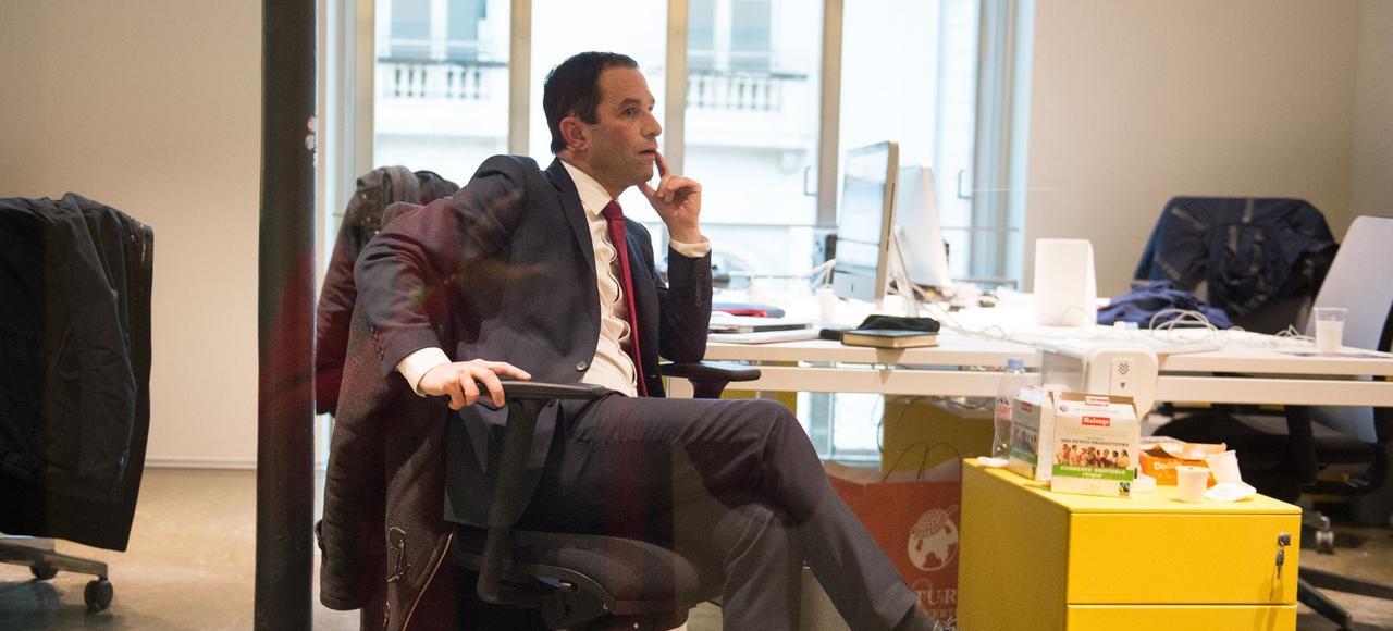 Benoît Hamon dans son quartier général, situé dans le Xe arrondissement de Paris.