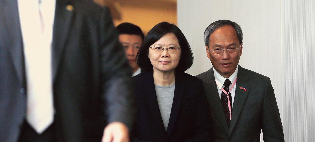En téléphonant au président américain Donald Trump, en décembre, la présidente taïwanaise, Tsai Ing-wen (ici le 14 janvier, en Californie), a provoqué l'ire de la Chine.