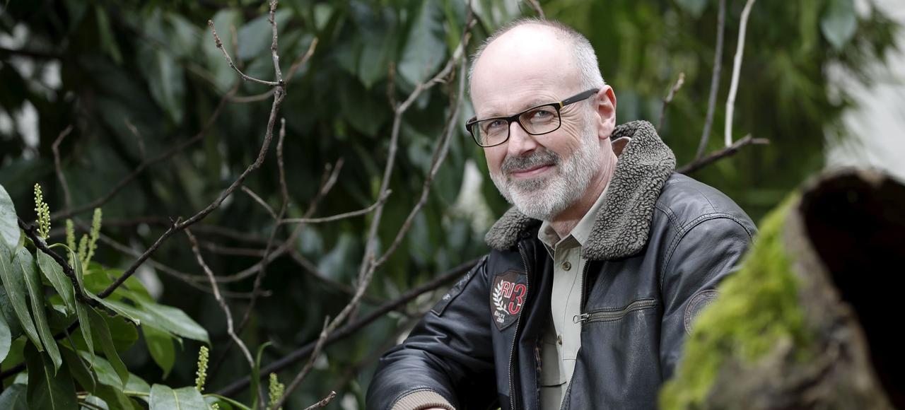 Peter Wohlleben: «Les arbres ont des familles. Ils se soucient les uns des autres, ils ont de la mémoire et ils sont très lents.»