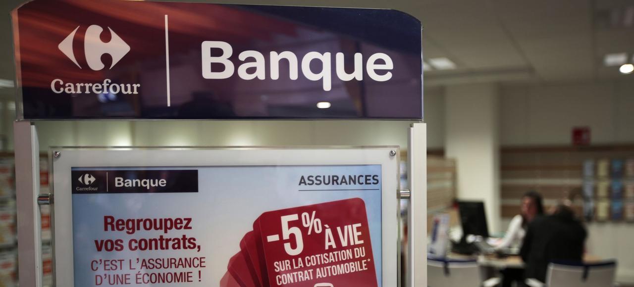 Carrefour, présent depuis longtemps dans l'univers financier (avec une carte de paiement et des crédits à la consommation) lance aujourd'hui un compte courant.