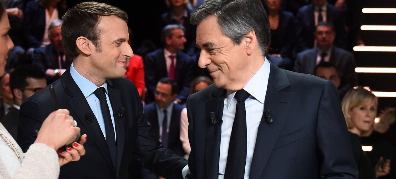Emmanuel Macron et François Fillon surle plateau de TF1, lundi soir.