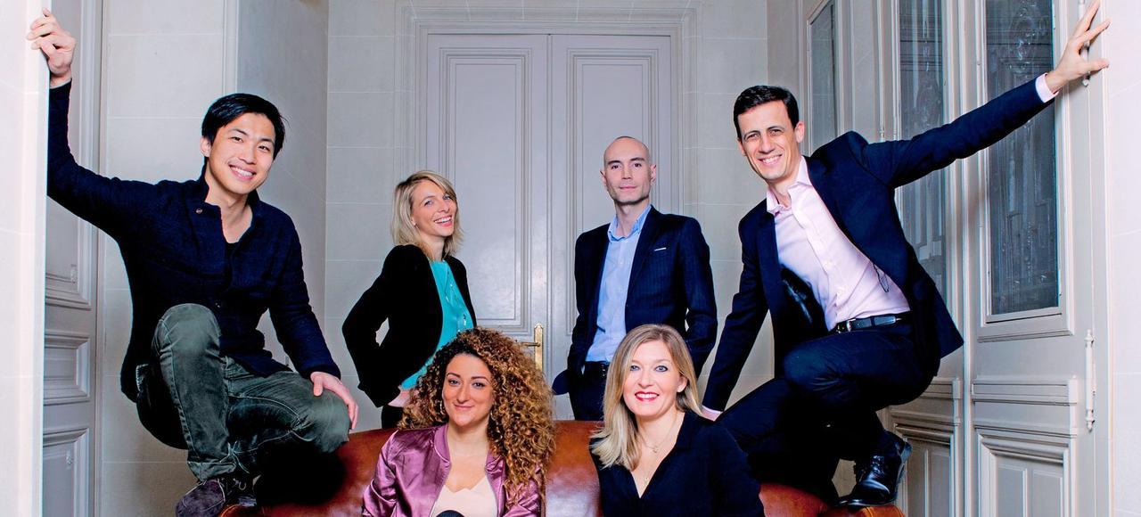 Six lauréats du palmarès de l'Institut Choiseul, réunis dans les locaux du <i>Figaro Magazine</i>: Ning Li, Maud Bailly, Alice Zagury, Jérôme Batout, Christelle Grisoni, Benjamin Frémaux.