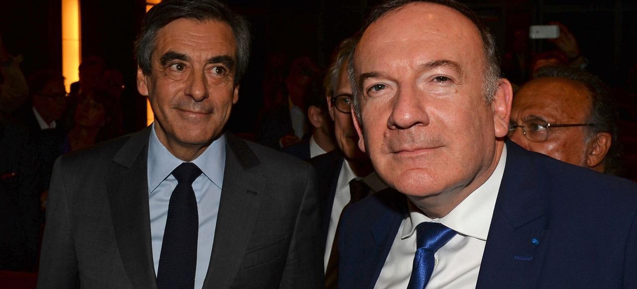 François Fillon et le président du Medef, Pierre Gattaz, lors du grand oral des candidats devant les patrons, le 28 mars, à Paris.
