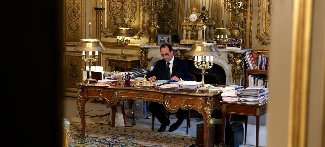 Entre2012 et2014, l'Elysée surveille de près les dossiers sensibles de la présidence Sarkozy.