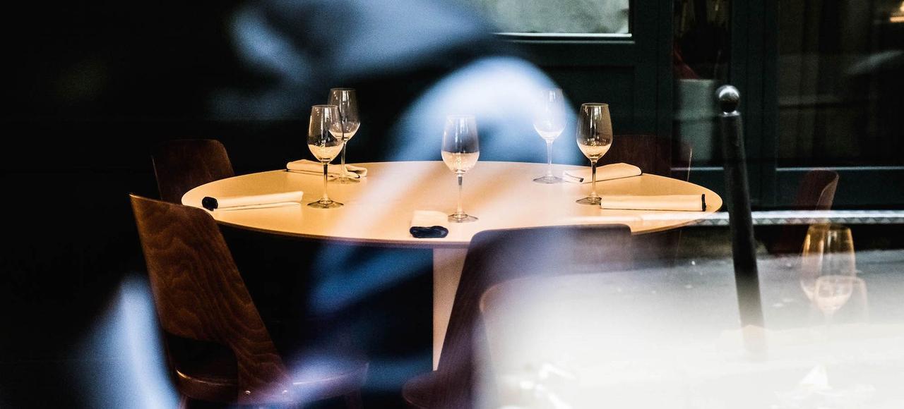 La salle du restaurant Orties, à Paris. Le chef propose au déjeuner une formule unique d'un rapport qualité-prix imbattable.