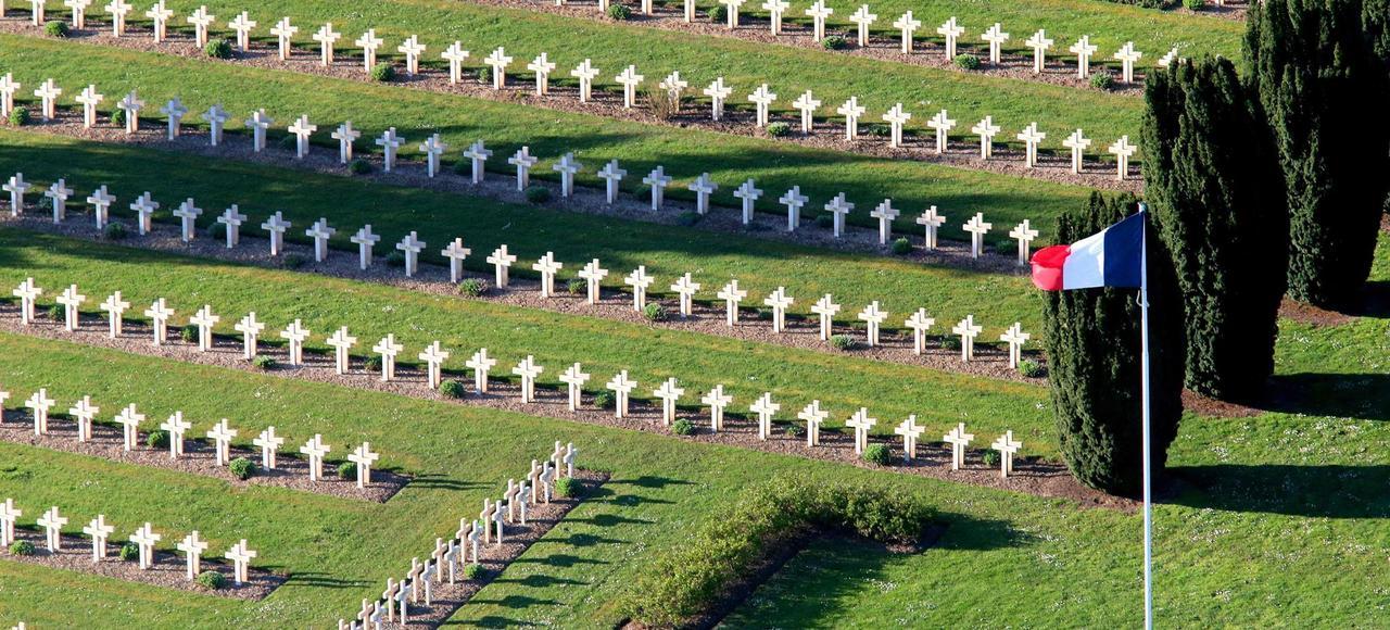Le cimetière militaire de Soupir sur le Chemin des Dames.
