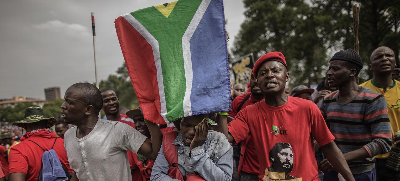 Des manifestants demandant le départ du président Jacob Zuma à Pretoria, le 12 avril 2017.