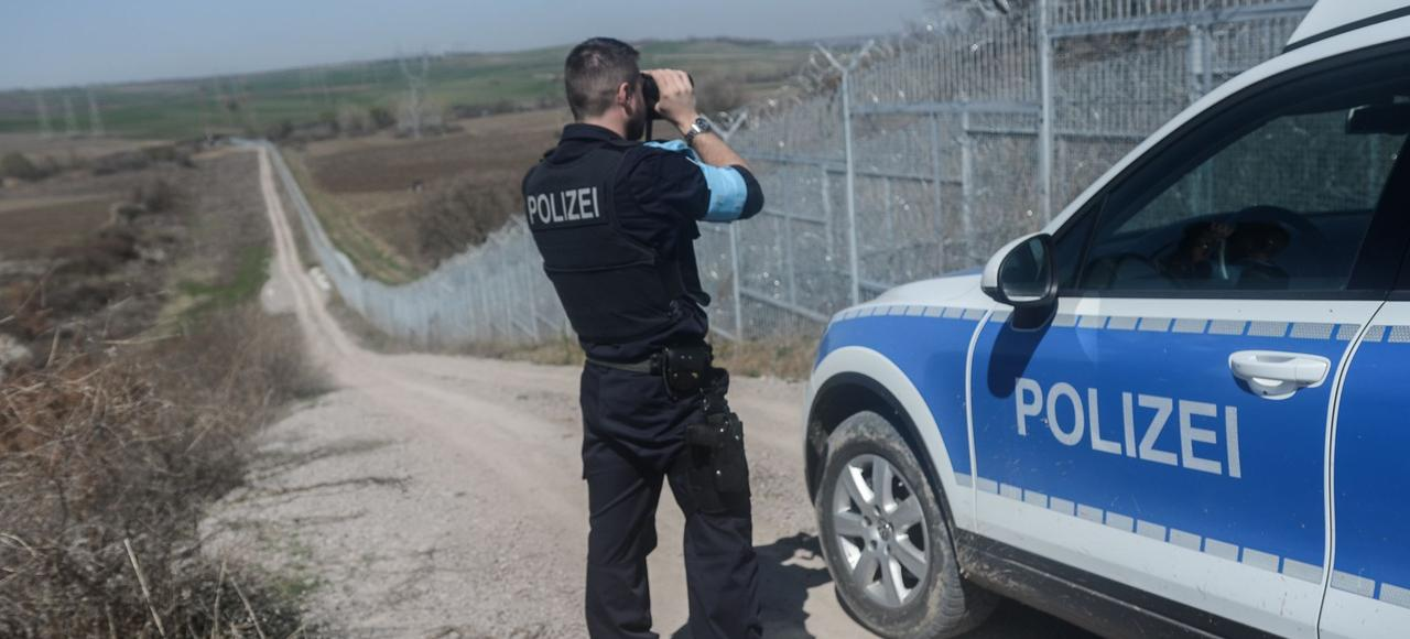 Un policier allemand patrouille le long de la frontière turco-bulgare,le 23 mars dernier