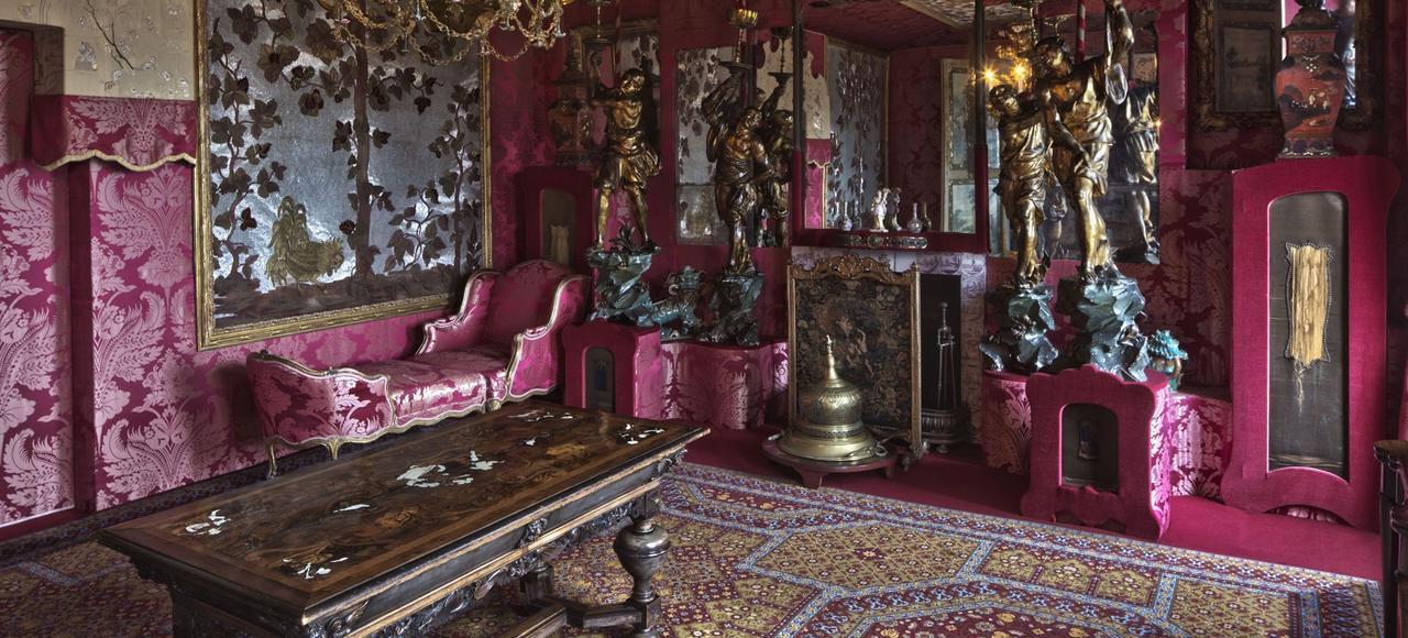 Le Salon rouge de la maison de Victor Hugo à Guernesey.