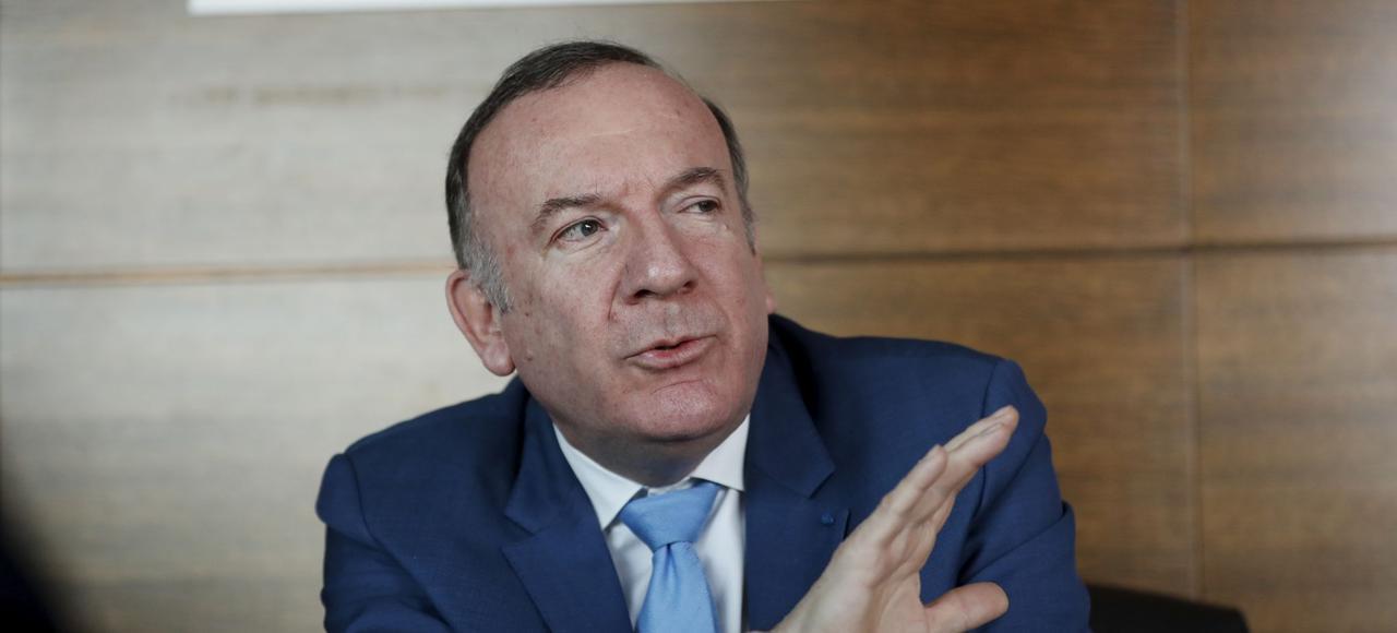 Le président du Medef, Pierre Gattaz, cogne sur les programmes des candidats extrêmes.