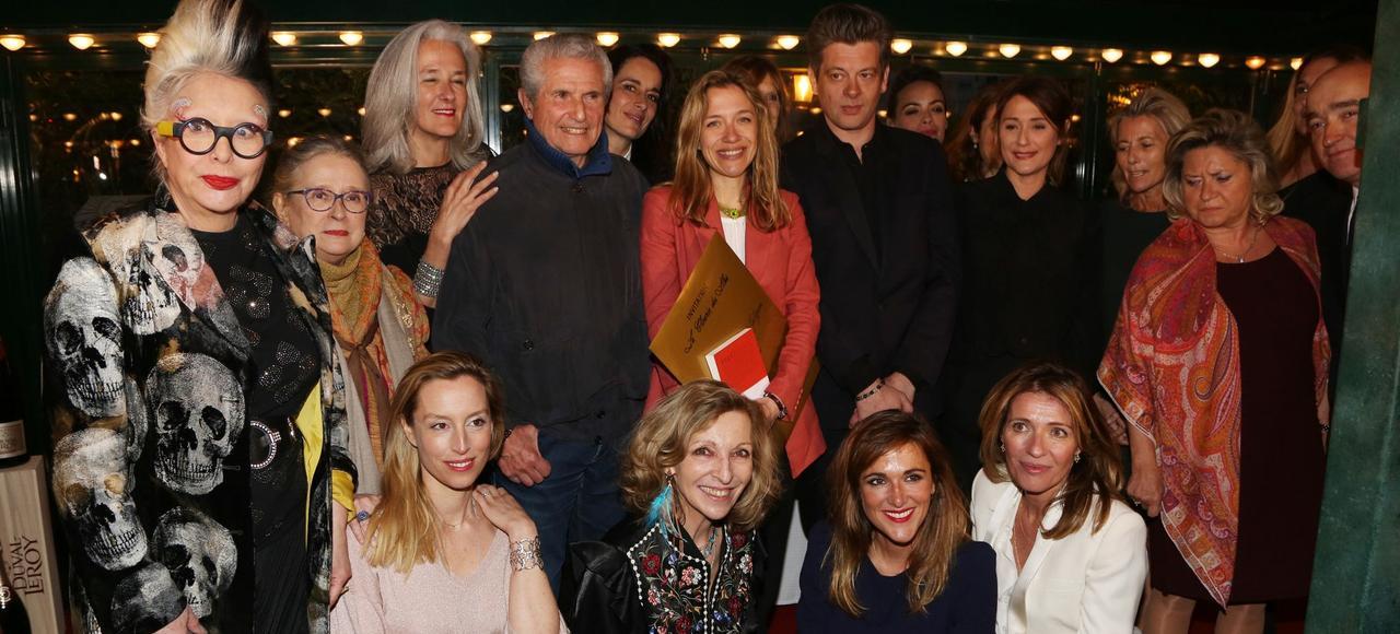 Oriane Jeancourt Galignani <i>(au centre)</i> entourée de Claude Lelouch et Benjamin Biolay.