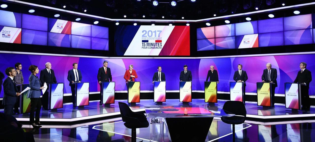 Les onze candidats à la présidentielle, jeudi soir, sur le plateau de France 2.