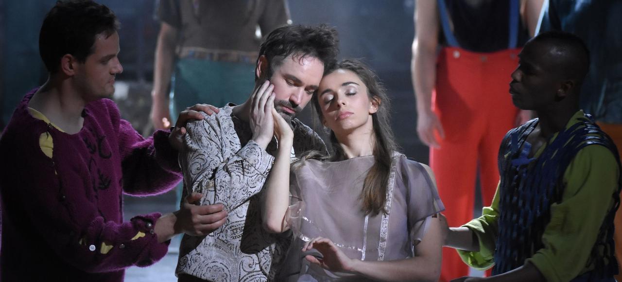 Cyril Auvity et Lea Desandre dans <i>Alcione</i>, mis en scène par Louise Moaty.
