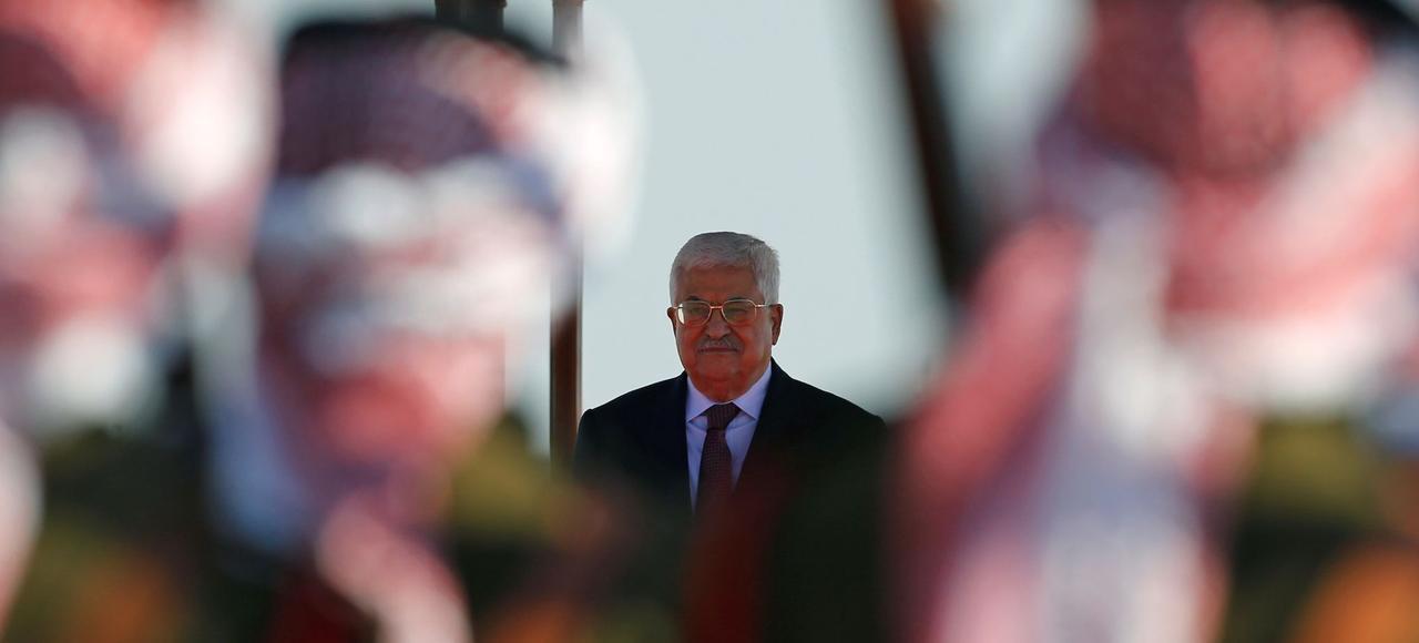 Le président de l'Autorité palestinienne, Mahmoud Abbas, lors d'une cérémonie, fin mars, à l'aéroport international d'Amman (Jordanie).