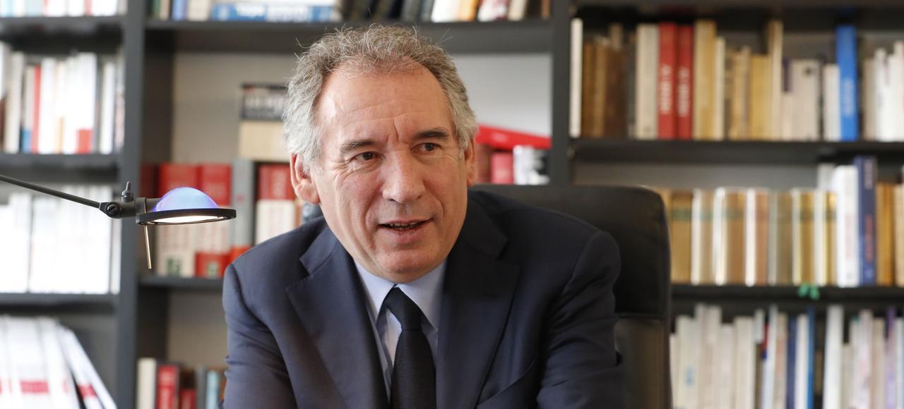 François Bayrou dans son bureau du QG du MoDem, jeudi à Paris.