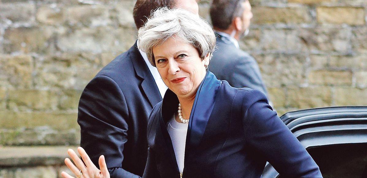 À la tête du pays depuis juillet 2016, Theresa May (ici jeudi à Halifax) exerce le pouvoir de façon dirigiste, centralisée et personnalisée.