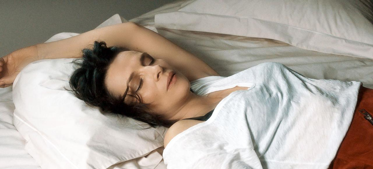 Juliette Binoche interprète Isabelle, divorcée, mère d'une fillette de 10ans, qui attend le «vrai, l'authentique amour».