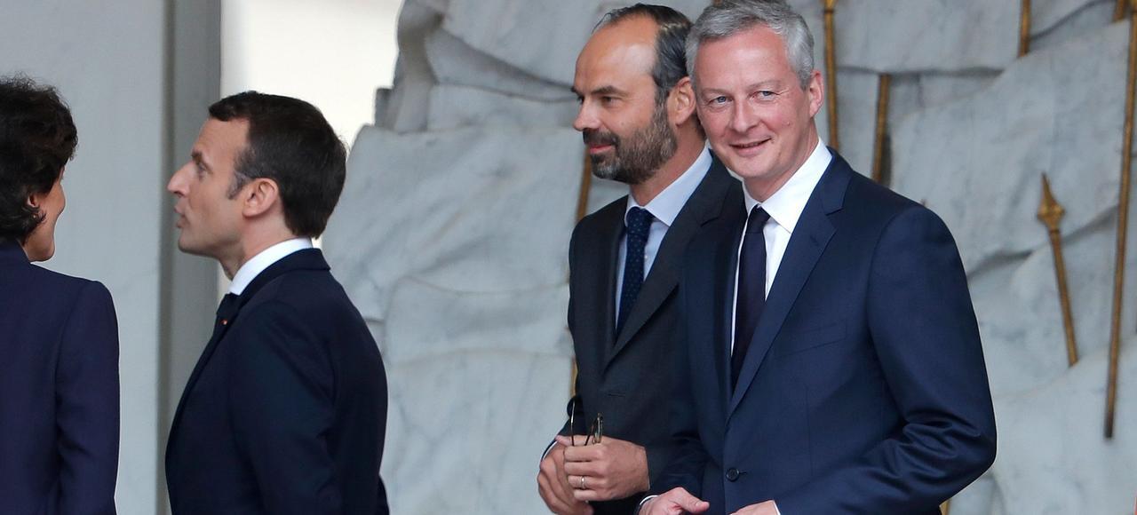 Le nouveau gouvernement Macron en marche vers la droite.