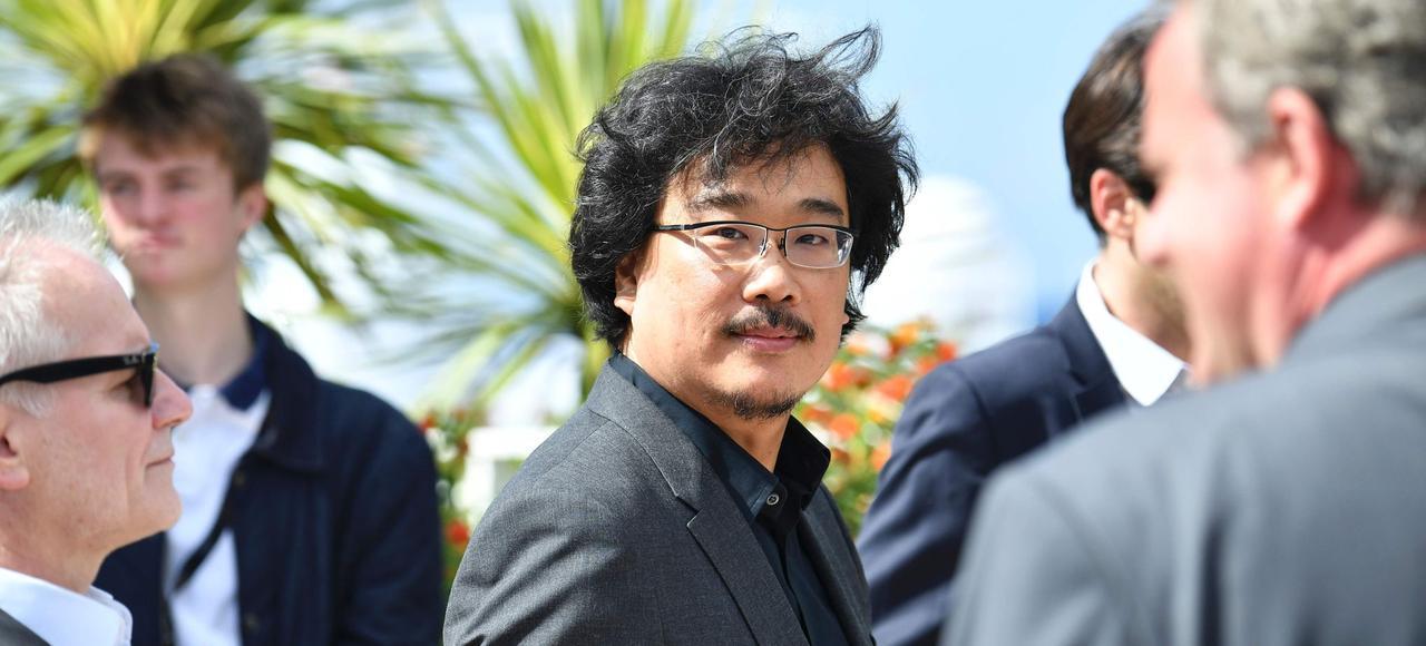 «Je suis très curieux de savoir ce que pensera Pedro Almodovar d'Okja», confie le cinéaste Bong Joon-ho vendredi à Cannes.