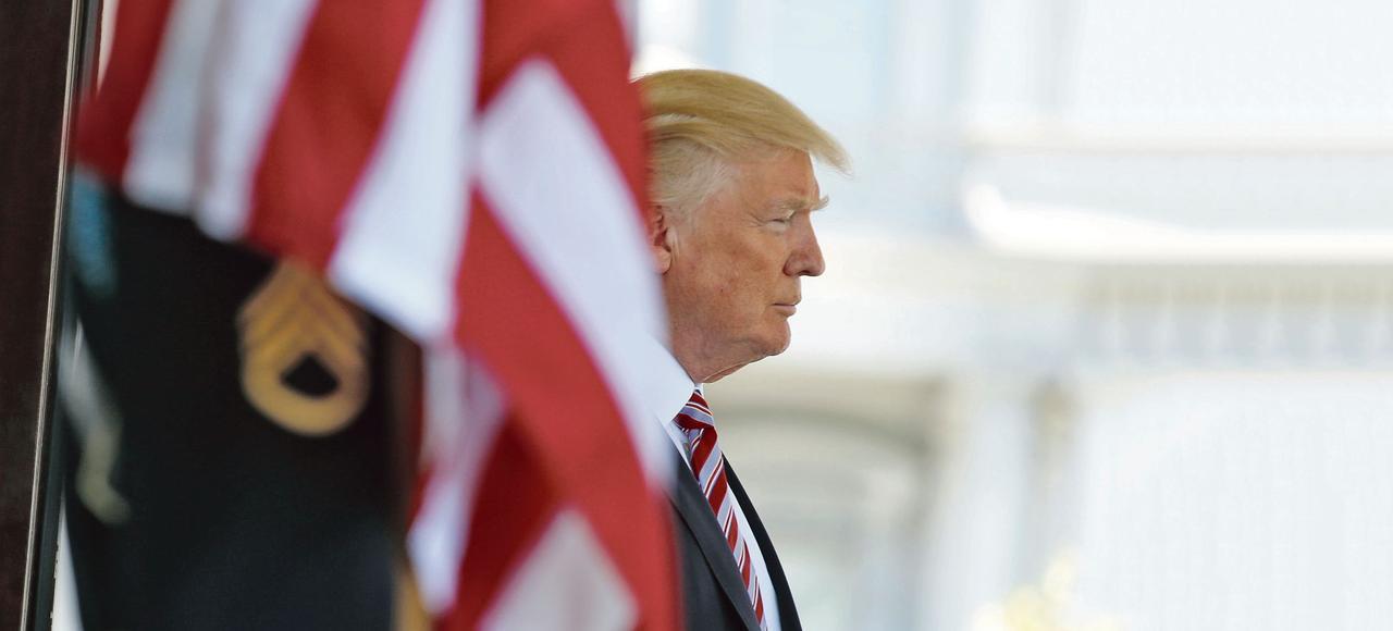 Quatre mois après son investiture, Donald Trump est rattrapé par les soupçons de collusion avec le Kremlin.