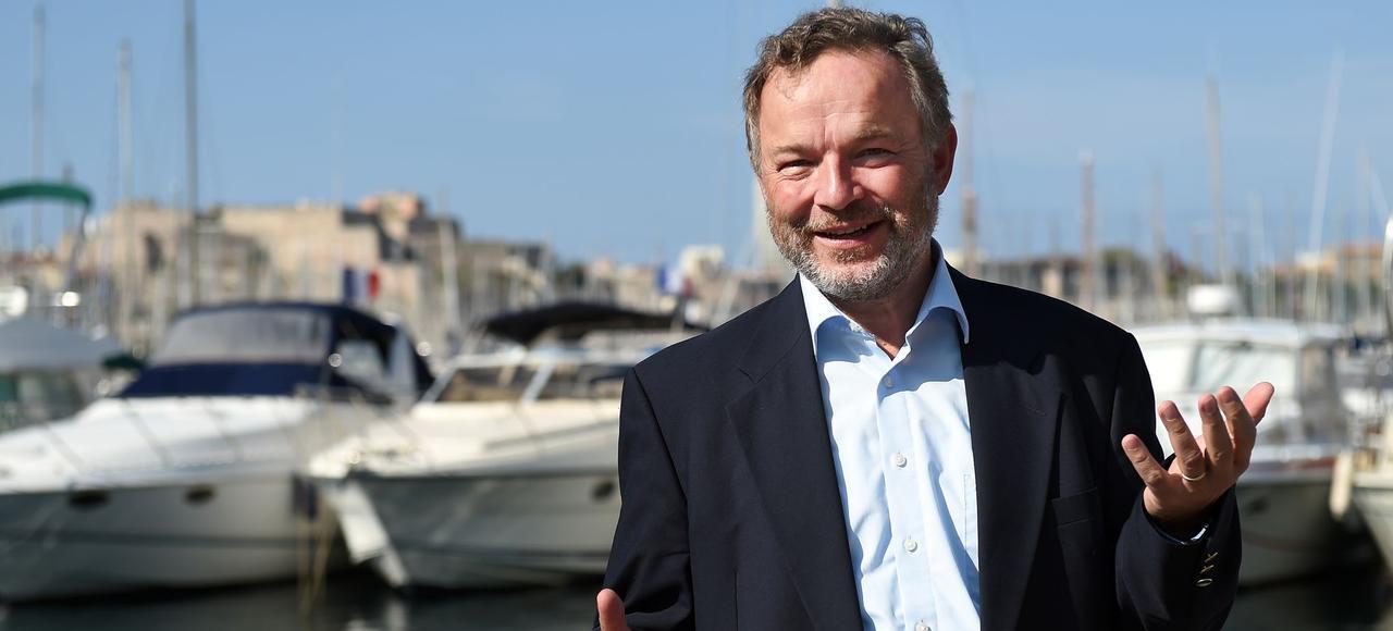 Officier de la marine marchande, Klaus Vogel, 61 ans, a lâché sa carrière pour affréter un bateau de sauvetage des migrants en Méditerranée.
