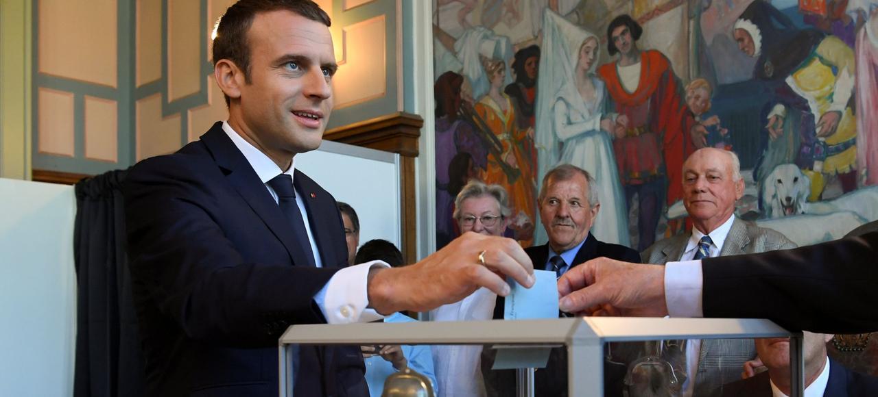 Emmanuel Macron disposera de la majorité absolue à l'Assemblée nationale, après le vote des Français aux législatives.