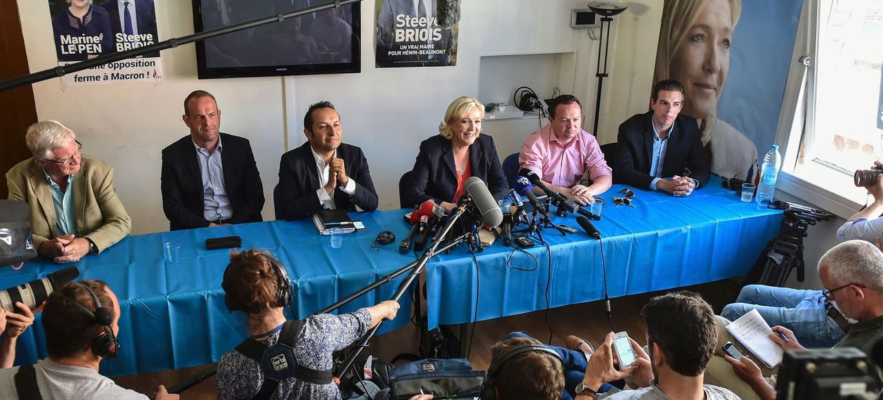 Première conférence de presse post-législatives de Marine Le Pen, lundi à Hénin-Beaumont.