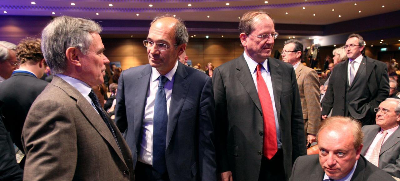 Pour Bernard Accoyer, le secrétaire général des Républicains, comme pour le député Eric Woerth (à gauche), le parti manque d'un chef fédérateur.