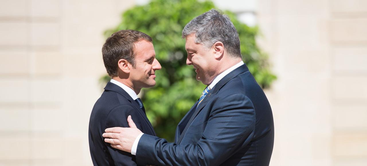 Le président français Emmanuel Macron et le président ukrainien Petro Porochenko, le 26 juin, à l'Élysée.