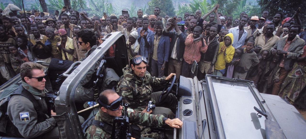 Des militaires français engagés dans l'opération «Turquoise», lancée le 22 juin 1994 au Rwanda afin de protéger les Tutsis d'un génocide selon les objectifs exprimés officiellement à l'époque.