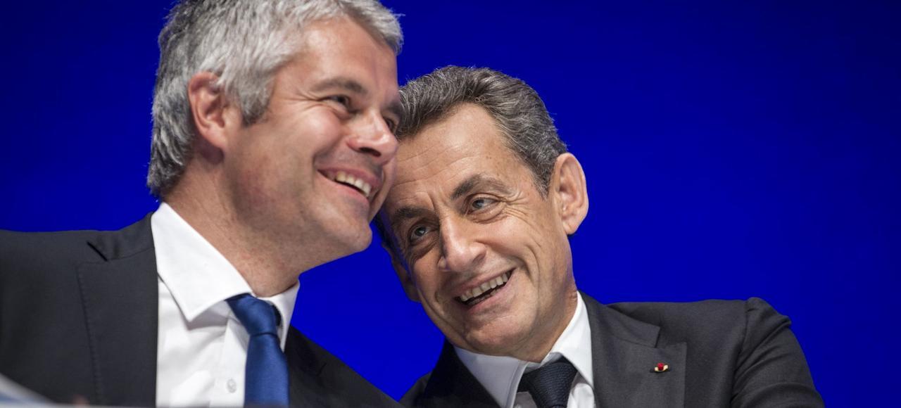 Laurent Wauquiez et Nicolas Sarkozy, en juillet 2016, à la Mutualité, à Paris, lors du conseil national des Républicains.