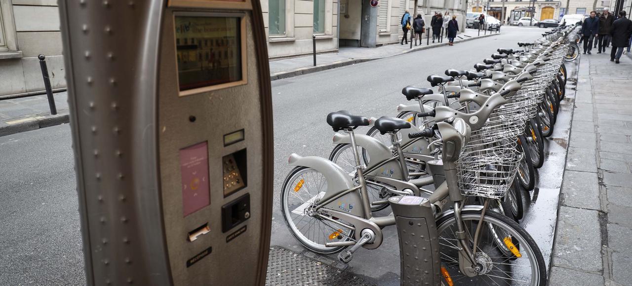 Une station Vélib' à Paris. Quelque 20.000 vélos sont actuellement déployés dans la capitale et les communes limitrophes.