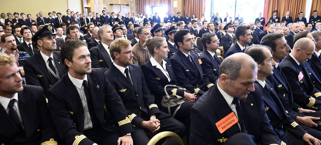 Une assemblée de pilotes de la compagnie réunie à l'appel du SNPL, en septembre 2014, à Roissy.
