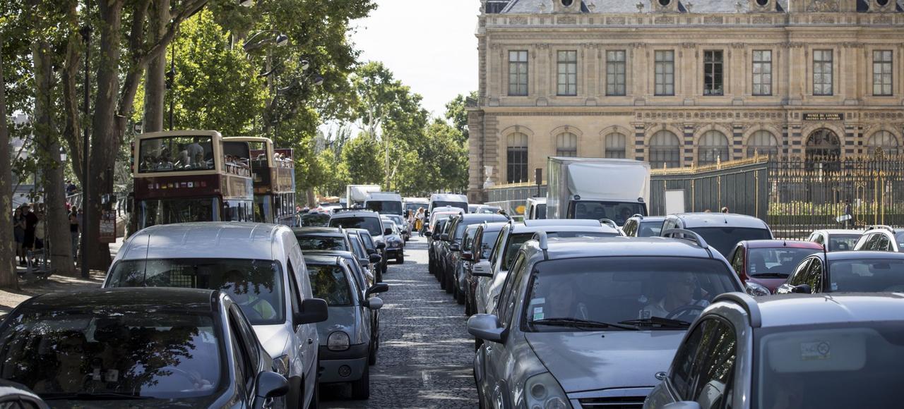 La circulation est dense sur le quai François-Mitterrand, depuis la fermeture des voies sur berge, devenue définitive le 28juin.