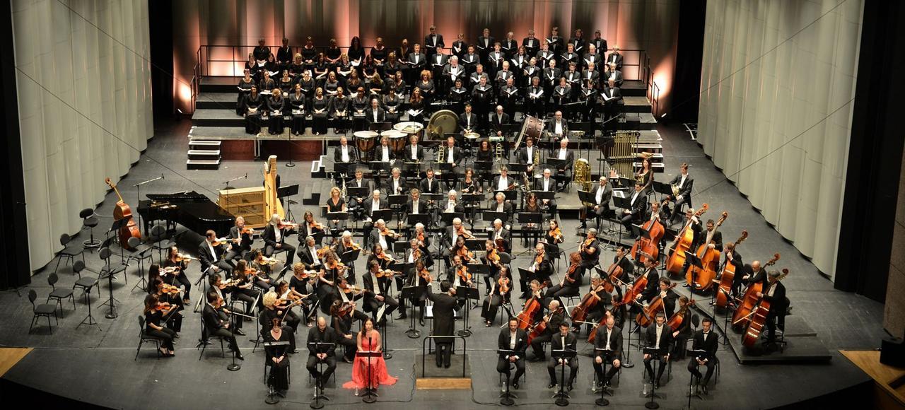 Le festival de musique le plus éclectique du pays a rayonné cette année jusqu'à Toulouse, Marciac ou Tarbes, totalisant 160manifestations. Le clou aura été la résurrection d'un opéra oublié, l'étonnant <i>Siberia</i>, d'Umberto Giordano, créé en 1903.